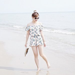 Throwback: Strolling down the beautiful shores of Hua Hin Beach uncertain of what the future holds for me. I am but a tiny sea shell before the vast and infinite ocean of things to come. . . #TravelWithJeanMilka #JeanMilkaInThailand #JeanMilkaAtBangkok #thailand #holiday #vacation #holidaytime #holidayseason #wonderlust #travel #bangkok #thailand #MinionInBKK #TravelWithMinion #camera #photography #photographer #instadaily #mood #picoftheday #JeanMilkaInHuaHin #MinionInHuaHin #clozetteid #JeanMilkaLife #beach #bytheseaside #beachtime #ggrep #cgstreetstyle #cleomylifemyway