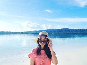 Another adventure in 2018? Bring it on! . . . . . . . . . . . . #instagram #insta #instatravel #instadaily #instame #vitrietraveldiary #peucangisland #travel #travelphotography #instadaily #beautyredemption #clozetteid #lifestyleblogger #instalike #traveler #traveling #travelindo #kompasnusantara #pejalancantik