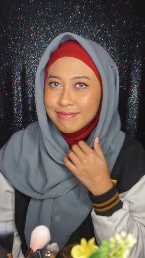 Girls, akhirnya tayang juga nih setelah sekian purnama produknya ngendon di makeup stash. Tutorial ini isinya menggunakan produk2 lokal Indonesia yang (somehow) underrated gitu. Like, kemana aja gueeee? Pastinya, total nilai semua produk di sini gak sampai Rp.100,000 lho!.Sila ditonton sampai habis buat tahu isi produknya apa saja. Enjoy!....#fiarevenian #fiareveniantutorial #fiarevenianmakeup #Indonesia #IndonesianBlogger #BeautyBloggerIndonesia #KBBVmember #BeautyBloggerID #IndonesianFemaleBloggers #beautisquad #bvloggerindonesia #clozetteid #ragamkecantikan #bunnyneedsmakeup