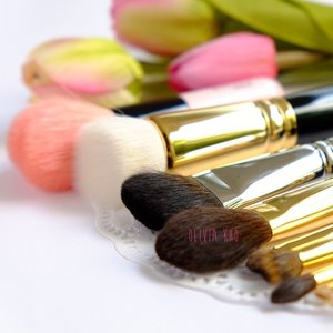 Thank u for fulfilling my wish list 😚 #hakuhodo #brush #gold #koyudo #heart #femaledaily #clozette #clozetteid
