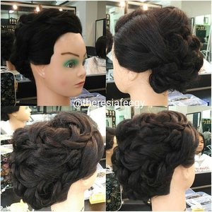 Makeup + hairdo service kindly email: muses.wonderland@yahoo.com  #hairdowisuda #hairstyleID #hairstyle #rambutpesta #rambutprewed #hairstylistjakarta #carihairstylist #carimua #jasaupdo #hairdojakarta #hairdoindonesia #salonjakarta #rambutku #stylerambut #jakarta #indonesia #makeupartisjakarta #muajakarta #carihairstylist #fashionid #photographerid #theresiafeegy #clozetteid #penatarambut #zalonku