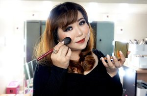 Did this makeup look using the brushes from @lamicabeauty x @bubahalfian that i got from @clozetteid ✌️ the application is guaranteed very smooth and comfortable. The brush helps to blend the makeup very very well. I still want to be able own several makeup tools from this limited edition though . . . . #clozetteid #lamicabeauty #ClozetteIDReview #clozetteidxlamica #lamicaxclozetteidreview #makeup #brush #kuasmakeup #makeupbrush #muajakarta #makeupartistjakarta #muaindonesia #jakartamakeupartist #beautyinfluencer #beautyreview #kuasmakeup