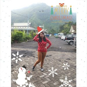 Good Morning and Season Greetings from me ♥ have a great day today. Yeap! This year i decided to stay in Indonesia and just travel here. Indonesia itself has a wide variety of tourist attraction and this is one of them :) proud to be Indonesian! #indonesia  #christmas #christmasholiday #clozetteid #clozettedaily #ootd #travel