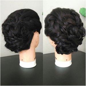 another level of braiding for sample 💋✌ 😎 let me know if you are interested in basic hairdo class 😍 Makeup + hairdo service kindly email: muses.wonderland@yahoo.com  #hairdowisuda #hairstyleID #hairstyle #rambutpesta #rambutprewed #hairstylistjakarta #carihairstylist #carimua #jasaupdo #hairdojakarta #hairdoindonesia #salonjakarta #rambutku #stylerambut #jakarta #indonesia #makeupartisjakarta #muajakarta #carihairstylist #fashionid #photographerid #theresiafeegy #clozetteid #penatarambut #zalonku #allthingshair #indobeautygram
