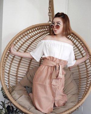 Yuhuu ada siapa disana 😎 . Wearing top n skirt from @vondii.official , skirt nya super unyu n bikin keliatan langsing 😆 . . #vondii #vondiilooks #iwearvondii #ootdinspo #ootdid #ootdinspiration #ootdindokece #ootdsubmit #ootdindonesia #ootdindonesiaa #idootd #clozetteid #lookbookindo #lookbookindonesia