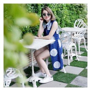 No water, no life. No blue, no green. 💙 my blue batik vest from @mahogany_batik . . #ootdindo #ootdindonesia #potdindo #potdindonesia #lookbook #lookbookindonesia #clozetteid #batikmodern #batikindonesia #ilovebatik