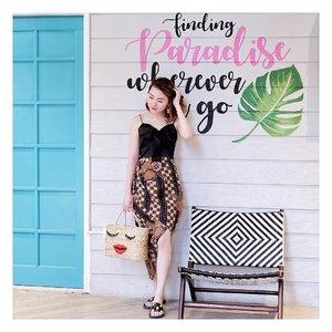 Im so ready for weekend with this assymetrical batik skirt from @mahogany_batik . . #ootdindo #ootdindonesia #potdindo #potdindonesia #lookbook #lookbookindonesia #clozetteid #mahoganybatik #iwearbatik #batikskirt #rokbati #batikmodern