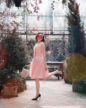 Pink side of life is sweeter with @marienfrisco dress 💕 . . #Ootd #ootdfashion #ootdinspo #ootdideas #ootdindo #ootdindokece #ootdinspiration #ootdindonesia #indobeauty #indofashion #indofashionpedia #indofashionpeople #jakartaspot #jakartahits #ootdjakarta #jakartabeauty #indofashionblogger #clozetteid #lookbooks #lookbooklookbook #lookbookindonesia