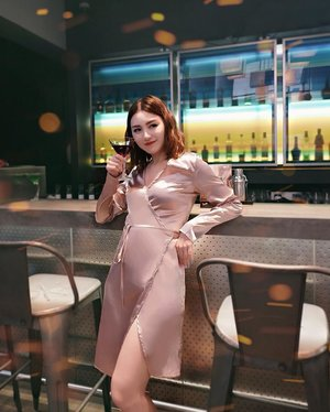 Dont drink to forget me, you'll end up seeing me twice 🤪 slit dress @monobeach.id . . #Ootd #ootdfashion #ootdinspo #ootdideas #ootdindo #ootdindokece #ootdinspiration #ootdindonesia #indobeauty #indofashion #indofashionpedia #indofashionpeople #jakartaspot #jakartahits #ootdjakarta #jakartabeauty #indofashionblogger #clozetteid #lookbooks #lookbooklookbook #lookbookindonesia