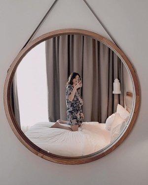 Big Aesthetic Mirror in de room, me super love it!!! . . #Ootd #ootdfashion #ootdinspo #ootdideas #ootdindo #ootdindokece #ootdinspiration #ootdindonesia #indobeauty #indofashion #indofashionpedia #indofashionpeople #jakartaspot #jakartahits #ootdjakarta #jakartabeauty #indofashionblogger #clozetteid #lookbooks #lookbooklookbook #lookbookindonesia