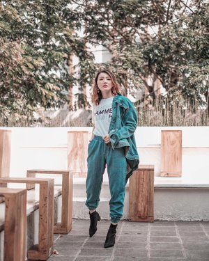 All wrapped in @hammer_brand 🪓 . 📍 @summareconmal.bekasi 📸 @winstonzhuang . . #Ootd #ootdfashion #ootdinspo #ootdideas #ootdindo #ootdindokece #ootdinspiration #ootdindonesia #indobeauty #indofashion #indofashionpedia #indofashionpeople #jakartaspot #jakartahits #ootdjakarta #jakartabeauty #indofashionblogger #clozetteid #lookbooks #lookbooklookbook #lookbookindonesia #denimondenim