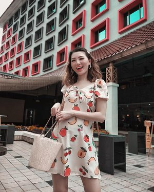 TGIF ready with @the.gloxinia gemess parah dress nya 🥝🍒🍌🍓 . . 📍 @ibistamarinjakarta . . #Ootd #ootdfashion #ootdinspo #ootdideas #ootdindo #ootdindokece #ootdinspiration #ootdindonesia #indobeauty #indofashion #indofashionpedia #indofashionpeople #jakartaspot #jakartahits #ootdjakarta #jakartabeauty #indofashionblogger #clozetteid #lookbooks #lookbooklookbook #lookbookindonesia