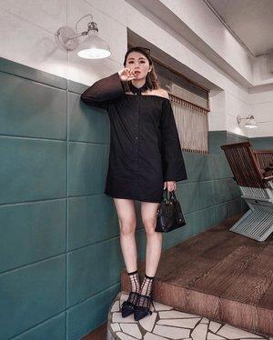 Its not about perfect. Its about effort. . Ya ga @steviiewong yg nemenin mau foto dress ini doank uda 3x loh... pertama gajadi uda keburu gelap, kedua lupa bawa sepatu nya, ketiga lupa bawa tas nya 🤪 . . #Ootd #ootdfashion #ootdinspo #ootdideas #ootdindo #ootdindokece #ootdinspiration #ootdindonesia #indobeauty #indofashion #indofashionpedia #indofashionpeople #jakartaspot #jakartahits #ootdjakarta #jakartabeauty #indofashionblogger #clozetteid #lookbooks #lookbooklookbook #lookbookindonesia
