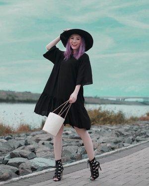 Have a nice sunday! @shopatvelvet black dress simply gorjes ❤️ . . #Ootd #ootdfashion #ootdinspo #ootdideas #ootdindo #ootdindokece #ootdinspiration #ootdindonesia #indobeauty #indofashion #indofashionpedia #indofashionpeople #jakartaspot #jakartahits #ootdjakarta #jakartabeauty #indofashionblogger #clozetteid #lookbooks #lookbooklookbook #lookbookindonesia