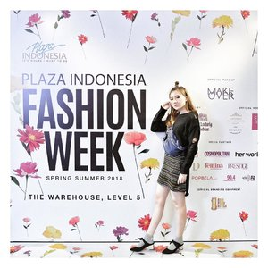 This is my OOTD for attending Plaza Indonesia Fashion Week Day 4 ❤️ I really had a great time and the show is gorjes... 👌🏻I will try to finish all the writing n editing about this and post it in my blog asap! . . #PIFW #PlazaIndonesiaFashionWeek #PIFW2018 #ClozetteID