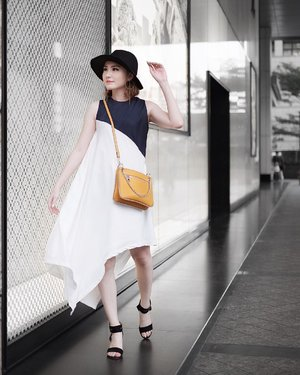 Playfull fashion with dress from @vondii.official and yellow chic bag @berrybenka . . #vondii #vondiilooks #iwearvondii #meandberrybenka #ootdindowomen #ootdindonesiaa #ootdindokece #ootdinspo #ootdideas #photooftheday #outfitoftheday #clozetteid #lookbookindonesia #indoblogger #indofashionpeople #indofashionblogger