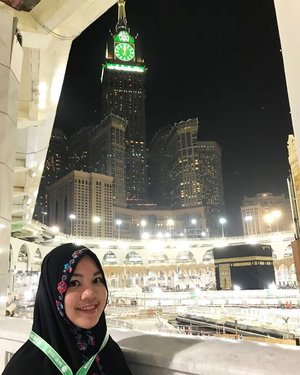 Before, I don't really get it why people always ask for prayer so they could come back to Makkah, after I experienced it myself, now I understand that feeling, longing to come back here again and again. Insya Allah there will always be the next visit to Baitullah 🕋 for us. Aamiin...#umroh #makkah #mecca #ka'bah #baitullah #moslem #proudmoslem #islam #beautiful #pilgrimage #clozetteid