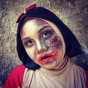 Hello.... Have you checked out my Snow White Zombie make up tutorial http://rumahcantikputri.blogspot.co.id/2015/10/disney-princess-zombie-halloween-make.html #ClozetteID #zombie #makeup #halloween #halloween2015 #disney #princess #snowwhite #snowwhitezombie #makeupartist #beautyblogger #indonesianbeautyblogger #ibb #fotdibb #muajakarta #makeupcharacter