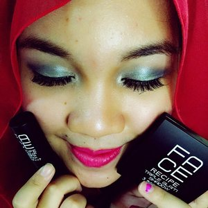I'm using Face Recipe Triple Glam Eyeshadow no. 3 and Face Recipe Lip Color Nursing Lipstick No. 7 from @copiabeauty @beauterecipeid #copialunarmakeup #copia #makeup #makeupjunkie #beautyaddict #beautyblogger #indonesiabeautyblogger #clozetteID
