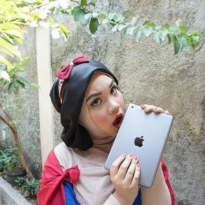 """An Apple a day keeps the doctors away""#makeup #snowwhite #disney #princess #apple #halloween #halloweenmakeup #halloween2015 #makeupartist #makeupartistsworldwide #makeupartistindonesia #mualife #beautybloggers #beautybloggerindonesia #ibb #ClozetteID #COTW #sociollagiveaway #sociolla #sociollahalloween"