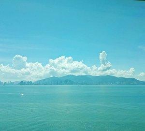 I am falling in love with the blue blue sea... #cruise #royalcaribbean #royalcaribbeancruise#pinkinholiday #pinkinsingapore #blogger #trip #travel #wanderlust  #jalanjalan #itchyfeet #travelblogger #indonesianblogger #surabayablogger #indonesianlifestyleblogger #indonesiantravelblogger  #bblogger #clozetteid #beautynesiamember #sbybeautyblogger #influencer #traveltheworld  #ilovetravel #minitrip #miniescape  #wanderlust #exploretheworld #travelblogger #influencer #instaview #bluesea