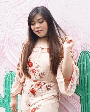 Watching IG's algorythmn and my follower falling off like flies be lyke... #pinkinbali #bali #coffeecartel#coffeecartelbali #clozetteid #sbybeautyblogger #beautynesiamember #bloggerceria #influencer #beautyinfluencer #jalanjalan #wanderlust #blogger #bbloggerid #beautyblogger #indonesianblogger #surabayablogger #travelblogger  #indonesianbeautyblogger #travelinfluencer #girl  #surabayainfluencer #travel #trip #pinkjalanjalan #ootd #ootdid  #bloggerperempuan #holidayfashion #jumpsuit