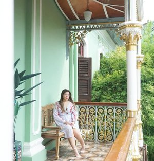 Have passion in whatever you do and in the end it'll work out the way it should.#peranakanmuseum #peranakanmuseumpenang#pinkinmalaysia #pinkinpenang#clozetteid #sbybeautyblogger #beautynesiamember #bloggerceria #influencer #beautyinfluencer #jalanjalan #wanderlust #blogger #bbloggerid #beautyblogger #indonesianblogger #surabayablogger #travelblogger  #indonesianbeautyblogger #travelblogger #girl #surabayainfluencer #travel #trip #pinkjalanjalan #ootd  #bloggerperempuan #traveltheworld #penang #peranakanmansion