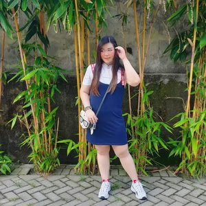 """Casual OOTD 🚶♀️.  My outfit is from the kids section at Matahari and it was on a 80% off or something 🤣🤣🤣. Yes, i fit into kids sizing and yes, i will rummage through any sale section because i have no shame and i love bargains so what?  I don't need to try to impress people by wearing branded items in Instagram (although i AM wearing designer bag in this pic 🤣🤣🤣), don't you know those who has to brag and flaunt usually have nothing?   I don't need to prove to anyone my worth and trust me, my worth is so much more than how expensive my clothes are, or how much money i have in the bank - and i certainly don't feel the need to impress strangers who only wants to befriend """"socialites"""" , haven't you learn by now real socialitas don't use Instagram?  Stop judging people from their Instagram posts, or their designer bags. Some (a lot) of people are willing to go hungry or go into debt for extravagant posts and honey, i ain't about that life!  #ootd #ootdid #clozetteid #sbybeautyblogger  #BeauteFemmeCommunity #notasize0  #personalstyle #surabaya #effyourbeautystandards #celebrateyourself #mybodymyrules"""