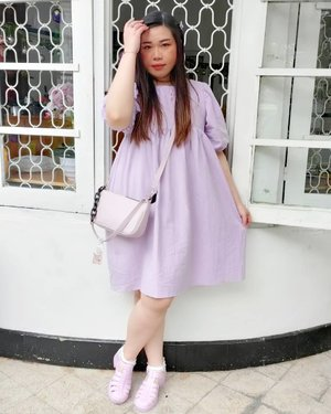 My current obsession with lilac is definitely getting on the edge of being unhealthy.  Btw got so many questions on the shoes, it's @rubi_ind .  #ootd #ootdid #clozetteid #sbybeautyblogger  #BeauteFemmeCommunity #notasize0  #personalstyle #surabaya #effyourbeautystandards #celebrateyourself #mybodymyrules