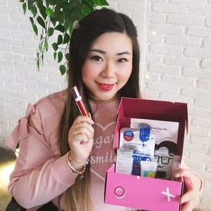 Yayyy i got another Best of 2019 Socobox with exciting products inside! Swipe to see details 😉. I will be reviewing all of these products at my soco.id (my acc : MGirl83 , same as my IG handle) so you can check and maybe follow my account 😉. Product list @cosrx_indonesia  Cosrx One Step Original Clear Kit CosrxTwo in One Poreless Power Liquid CosrxLow pH Good Morning Gel Cleanser @mediheal_idn Mediheal N.M.F Aquaring Ampoul Mask Ex. @wardahbeauty Wardah White Secret Pure Treatment Essence @esqacosmetics Esqa x Bcl Gloss Lip Liquid in Lust  @beautyjournal @sociolla  #socobox #socoid #sociolla #sbybeautyblogger  #girl #endorsement #endorsersby #openendorsement  #clozetteid  #sbybeautyblogger #bloggerindonesia #bloggerceria #beautynesiamember #influencer #beautyinfluencer #surabayablogger #SurabayaBeautyBlogger #bbloggerid #beautybloggerid #beautybloggerindonesia #surabayainfluencer #bloggerperempuan  #indonesianbeautyblogger #influencersurabaya