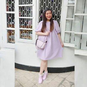 Thankful, always..  Sebelum ditanyain, ini cute dress beli di salah 1 online shop fave ku @cottonbellshop ,tas kado dari anak online ku @prillistyy 😘😘😘.   Matchy matchy lilacy 🥰.  #ootd #ootdid #clozetteid #sbybeautyblogger  #BeauteFemmeCommunity #notasize0  #personalstyle #surabaya #effyourbeautystandards #celebrateyourself #mybodymyrules