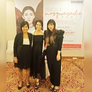 """Attending @emdeeclinic media gathering and launching of their """"MD Dracula V Lift"""" that combines maxi thread lift with PRP for the maximum result 😊  #emdee #emdeeevent #emdeeclinicsurabaya #emdeeclinic #emdeeclinicsby #mediagathering #launching #treatmentlaunching #masqueradeparty #blogger #bblogger #bbloggerid #event #beautyevent #beautyblogger #indonesianblogger #indonesianbeautyblogger #surabaya #surabayablogger #surabayabeautyblogger  #clozetteid #clozettedaily #ladies #asian #influencer #beautyinfluencer #surabayainfluencer #influencersurabaya"""