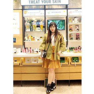 Yesterday's OOTD for attending @thebodyshopindo @galaxymallsby Store Re-Opening.  #ootd #green #greenasyoucanbe #event #surabaya #surabayaevent #eventsurabaya #beautyevent #bblogger  #bbloggerid #influencer #influencerindonesia #surabayainfluencer #beautyinfluencer #beautybloggerid #beautybloggerindonesia #bloggerceria #beautynesiamember #clozetteid #girl #sbybeautyblogger #ootdid #ootdindonesia #sneakers #girlychic #thebodyshop #storereopening #beautynesiamember