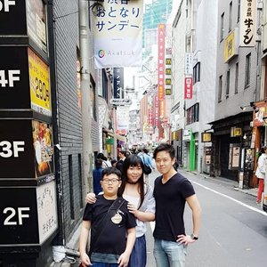 Surabaya - Tokyo ✈✈✈ Thank you for spending your time with us @hirojepang , see u soon at Surabaya?  #pinkinjapan #pinkintokyo #japantrip2018  #pinkholiday #pinkjalanjalan #jalanjalan #clozetteid #sbybeautyblogger #beautynesiamember #bloggerceria #traveltheworld #itchyfeet #wanderer #traveler #blogger #influencer #travelblogger  #lifestyleblogger #citizenoftheworld  #girlygirl #kawaiilife #semicharmedlife #lifewelltraveled #shibuya #hangout #meetup