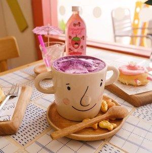 Taro latte - definitely out of my comfort zone, but still surprisingly nice. Don't know why i was so opposed to the idea of a taro latte when i clearly enjoy the taste of taros!#taro #tarolatte #tarodrink#nahimcafe#bangkokcafe#bangkok#pinkinthailand #clozetteid #sbybeautyblogger #beautynesiamember #bloggerceria #influencer #jalanjalan #wanderlust #blogger #indonesianblogger #surabayablogger #travelblogger  #indonesianbeautyblogger #indonesiantravelblogger #surabayainfluencer #travel #trip #pinkjalanjalan #bloggerperempuan  #thailand #bunniesjalanjalan #pinkinbangkok #instadrink #drinksofonstagram