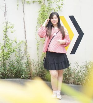 Happy weekend, people! Let's have a good one!#girl #asian #ootdid #ootdindo #ootdindonesia  #clozetteid #sbybeautyblogger #beautynesiamember #bloggerceria #blogger #bblogger #beautyblogger #influencer #influencersurabaya #surabaya  #beautyinfluencer #personalstyle #fashionblogger #personalstyleblogger #notasize0 #comfortableinmyownskin#effyourbeautystandards #celebrateyourself  #bloggerperempuan #girl #asian  #indonesianblogger #indonesianbeautyblogger #SurabayaBeautyBlogger #fashion
