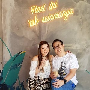 We can claim the sign, together for 18 years, married for 12 😊. #kopigunting #kopiguntingjogja #kopijogja #clozetteid #sbybeautyblogger #beautynesiamember #bloggerceria #influencer #jalanjalan #wanderlust #blogger #indonesianblogger #surabayablogger #travelblogger  #indonesianbeautyblogger #indonesiantravelblogger  #surabayainfluencer #travel #trip #pinkjalanjalan #lifestyle #bloggerperempuan #jogja #pinkinjogja #yogyakarta #asian #exploreindonesia #hubbyandwifey #marriedcouple #couple