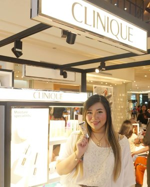 Attended the unveiling of @cliniqueindonesia new foundation Even Better Refresh last Friday and witnessed first hand how awesome the finish look is so i have to give it a try myself soon!  #clinique #cliniqueid #cliniqueindonesia #evenbetterrefresh #evenbetterrefreshfoundation #cliniquefoundation #beautyevent #dressedinwhite #event #eventsurabaya #surabaya #surabayaevent #girl #clozetteid  #sbybeautyblogger  #bloggerindonesia #bloggerceria #bloggerperempuan #indobeautysquad  #influencer #beautyinfluencer #surabayainfluencer #surabayablogger #influencersurabaya  #indonesianbeautyblogger  #bloggerid #bblogger #bbloggerid #SurabayaBeautyBlogger