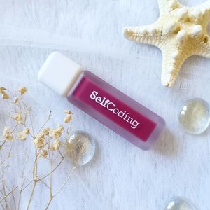 So many of you commented on how unique and cool the @selfcoding.official Code Crush Matte Liquid Lipstick packaging is and i totally agree with you! It's not your typical boring bottle of liquid lippie for sure and it'd be a fun one to whip out of your purse to top up - not that you need to do it often as their formula is very long lasting!  Anyway if you're interested in having one (or 6! I don't judge!), you can purchase it from my Charis Shop (Mgirl83) for a special price or type https://bit.ly/selfcodingMindy83 to directly go to the product's page  #selfcoding #lipstick #CodeCrushMatteLiquidLipstick#CHARIS #hicharis #charisceleb  #reviewwithMindy #beautefemmecommunity #kbeauty #koreanmakeup #koreanbeauty #koreanmakeupreview #koreancosmetics #kcosmetics #clozetteid #sbybeautyblogger #beautynesiamember #bloggerceria #bloggerperempuan #bbloggerid #jakartabeautyblogger #review #influencer  #SURABAYABEAUTYBLOGGER #endorsement #endorsementid  #girl #openendorsement #socobeautynetwork #startwithSBN