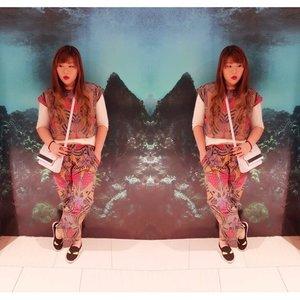 #blogupdate #outfitpost #batik #iwearbatik http://bit.ly/1US4CXr  #blogger #pinkandundecided #pinkandundecidedblog #bblogger #fashion #fashionista #fashionblogger #personalstye #personalstyleblogger #indonesianblogger #indonesianpersonalstyleblogger #surabayablogger #surabayapersonalstyleblogger #batikset #clozetteid #clozettedaily #effyourbeautystandards