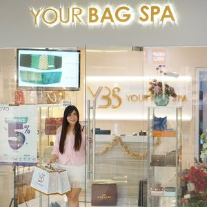 Love luxury goods and designer items but sad to see them getting dirtier and deteriorate after each use? There is no need to worry anymore as we now have @yourbagspa to clean, protect and even restore and repair our favorite pieces!Check out my experience with them here : http://bit.ly/ybsreview. Thank you Your Bag Spa and @clozetteid !#Clozetteid #YOURBAGSPAXClozetteIdReview#YOURBAGSPA #YBSHappyCustomer #ClozetteidReview#sbybeautyblogger  #bblogger #bbloggerid #influencer #influencerindonesia #surabayainfluencer #beautyinfluencer #beautybloggerid #beautybloggerindonesia #bloggerceria #beautynesiamember  #influencersurabaya  #review  #indonesianblogger #indonesianbeautyblogger #surabayablogger #surabayabeautyblogger #lifestyle#fashion  #bloggerperempuan #girl #asian #luxury