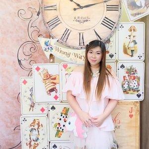 Sugar and spice and everything nice... That's not me tho 😄😄😄 #pink #pinkandwhite #onepose #oneposecafe #girl #asian #kawaiiaesthetic #kawaiilife #clozetteid #beautyblogger #sbybeautyblogger #beautynesiamember #bloggerceria #ootd #ootdid #surabaya #bblogger #bbloggerid #surabayabeautyblogger #ootdindo #ootdindonesia #jstyle #girlygirl #beautybloggerindonesia #beautyblogger #influencer #personalstyle #kawaiifashion #beautyinfluencer #pinklife #teddybear