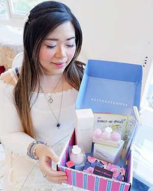 If you are interested to see and learn in more details about @altheakorea 's Products from @sbybeautyblogger 's 3rd Anniversary you should check out my blog post : http://bit.ly/unboxingaltheakoreaXSbb because honestly, the box is so drool worthy 😬😬😬! #SBBXCMM #CMMEVENTCONSULTANT #SBYBEAUTYBLOGGER #SURABAYABEAUTYBLOGGER #SBBANNIVERSARY #SBBTURNING3 #SBB3RDANNIVERSARY#AltheaKorea #AltheaABloom #AltheaExclusives #SBBXAlthea #SBB3rdAnniversaryXAlthea #altheaangels #clozetteid#bloggerindonesia #bloggerceria #beautynesiamember #influencer #beautyinfluencer #kbeauty #koreanbrand #koreanbeauty #koreancosmetics #koreanskincare #surabayablogger #SurabayaBeautyBlogger  #bloggerperempuan #indonesianfemalebloggers