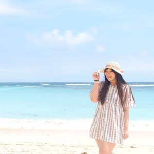Back then : why you snap so many pics? I only need 1 or 2 that's good to post!Now : scrambling to find every single nice vacay pics in different angles that wasn't already posted 🤣.Blame Covid ofc!#throwback #pinkinbali #bali #beach#clozetteid #sbybeautyblogger #beautynesiamember #influencer #beautyinfluencer #jalanjalan #wanderlust #blogger #bbloggerid #beautyblogger #indonesianblogger #surabayablogger #travelblogger  #indonesianbeautyblogger #travelinfluencer #girl  #surabayainfluencer #travel #trip #pinkjalanjalan #ootd #ootdid  #BeauteFemmeCommunity #pandawabeach #holidayfashion  #balibeach