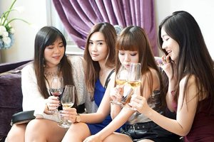 Don't believe what you see on IG, one of us had one sip and abandon the drink, the other two had a headache just from one tiny glass of wine. Only @amandatorquise was strong because she's a drunk 🤣🤣🤣. (FYI, the last one is a private joke, don't take it seriously). #girls #ladies #asian #mygirlsquadisbetterthanyours #friendsgoals #ootd #ootdid #ootdindonesia #ootdindo  #blogger #bblogger #bbloggerid #influencers #surabaya #surabayainfluencer #beautyinfluencer #influencersurabaya #fashion #personalstyle #vlogger #clozetteid #sbybeautyblogger #bloggerceria #lifestyle #hangout #surabayablogger #sbybeautyblogger #bloggerperempuan #cheers #winetime🍷