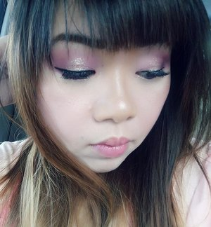 The thing about having tapered eyelids (some people even thinks that i hage monolids 😓. That's not a bad thing ofc, that's just incorrect)  and fringe is that its really hard to show my eye makeup off!  I hope you can see it clearer in this pic 😛  Valentine's Day look for @bloggerceriaid collaboration  Products used :  FACE :  1. Maybelline BB Cream 2. Etude House concealer 3. Marcks loose powder 4. Anna Sui compact powder 5. Maybelline eyeshadow as highlighter 6. Simply Stay Mustika Ratu compact powder as nose contour 7. Color Concept Blush On  BROWS : Zoya Cosmetics Brown eyebrow pencil  EYES : 1. Etude House eye primer 2. Miki Cosmetics palette  3. Wet n Wild Color Icon trio eyeshadow (Spoiled Brat)  4. Mukka Simplicity eyeshadow palette 5. Mizzu Liquid Eyeliner 6. Etude House Tear Duct Liner (Sunlight Tear)  7. Unbranded falsies 8. Maybelline Volum' Express Turbo Boost Mascara 9. RiRe eye pigment (A Pink)  LIPS : 1. Collection Lip Marker  #BloggerCeriaMakeUpCollaboration #ValDay #MakeUp #bloggerceria #bloggerceriaid #makeup  #blogger #bblogger #bbloggerid #clozetteid #clozettedaily #girl #asian #indonesianblogger #indonesianbeautyblogger #surabaya #surabayablogger #surabayabeautyblogger #sbybeautyblogger #allaboutmakeup #influencer #makeupaddict #makeuplook #valentinesday #vday #valentinesdaylook #valentinesdaymakeup #dramaticeyemakeup #glitteryeyes