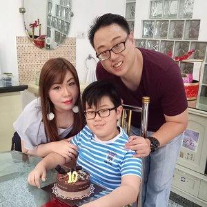 It's a happy day in our household 😀  #happybirthday #birthday #birthdayboy #owenturns10  #littlefamily #happylittlefamily #mylittleman #myhandsomeboy #mummyblogger  #blogger #clozetteid  #ootd #indonesianblogger #surabaya #surabayablogger #lifestyle #lifestyleblogger #indonesianlifestyleblogger #surabayalifestyleblogger  #bloggerceria #bloggerceriaid #sbybeautyblogger  #myhappylittlefamily #happyboy #minions #notalittleboyanymore #mybabyisgrowingup #family #son #influencer