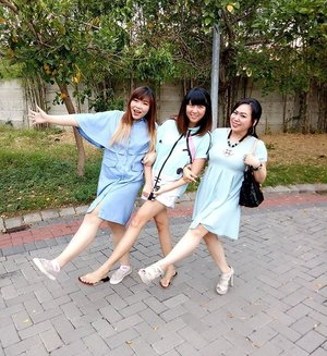 Being #crazy together since 1997 😆😆😆 #bff #bestfriends #bffgoals #bffforever #friendsforlife #girls #girlfriends #blue #bluesquad #dresscode #hangout #pinkandundecided #blogger #bblogger #lifestyle #indonesianblogger #indonesianlifestyleblogger #surabaya #surabayablogger #surabayalifestyleblogger #clozettedaily #clozetteid #beingsilly #friendswholaughtogetherstaytogether #familythatwechoose #friendsarefamily #friendship #friendshipgoals