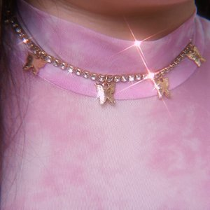 This necklace is super special for me because i really wanted it when i saw it in international online shops (and on some girls in explore) but ofc i am not willing to pay a lot for a costume jewelry - then i spotted this at Shopee!   Granted, the diamentes are not purple/pink (like the one i really wanted) and it costs 22k (i don't usually spend anywhere near 20k for costume jewelries at Shopee 🤣) but scoring something i really want and like for months without having to spend a fortune is something i take pride of!  Btw, have a nice weekend!  #bling #necklace #butterflynecklace #BeauteFemmeCommunity #SbyBeautyBlogger #clozetteid #startwithSBN #socobeautynetwork