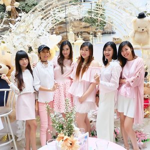 Dressed up in pink,  surrounded by Teddy Bears... Welcome to the world i want to live in 😄  Kawaii event with @shinzuiume_id today to celebrate the soft launch of their Body Mist.  Stay tuned for details on my blog soon!  #shinzuiume #umebodymist #umebodymistlaunching #completeyourday #pink #pinkandwhite #kawaii #onepose #oneposecafe #girls #ladies #asian #kawaiiaesthetic #kawaiilife #clozetteid #beautyblogger #sbybeautyblogger #beautynesiamember #bloggerceria #ootd #ootdid #event #beautyevent #surabaya #bblogger #bbloggerid #surabayabeautyblogger #eventsurabaya #launching